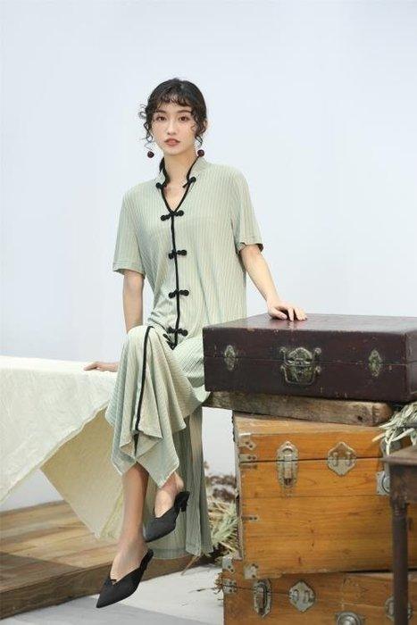 半島鐵盒 旗袍洋裝 2019S/S綠豆灰棉制針織寬松彈性短袖長旗袍連身裙