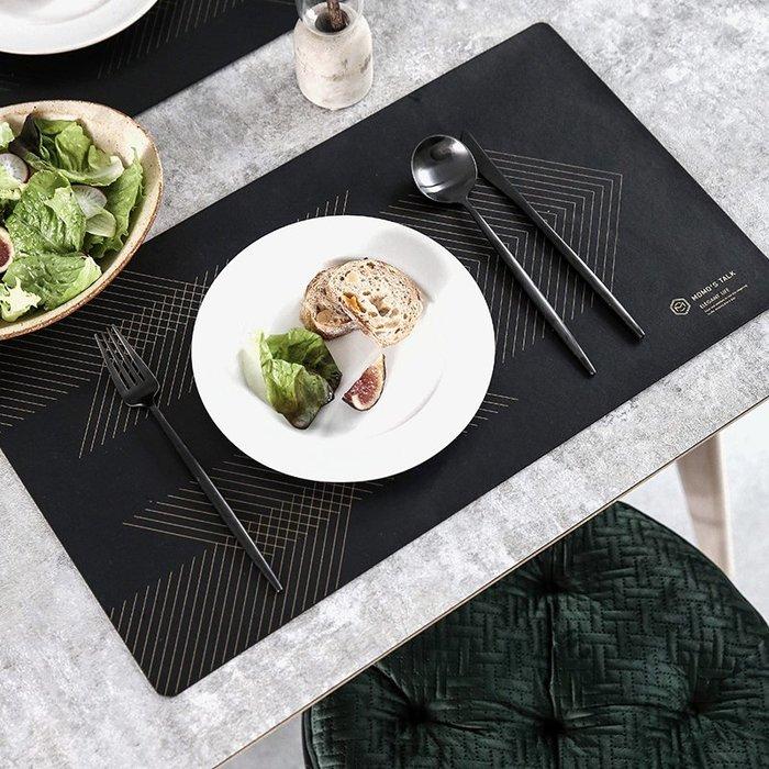北歐居家 尊爵黑 質感皮革時尚電腦桌墊 皮革餐墊 辦公桌餐桌隔熱墊 防水 抗污 易清理 |悠飾生活|