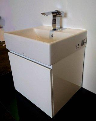 【台製】TOTO浴櫃 L710CGUR 方盆 專用浴櫃+加價500挖衛生紙孔 (台灣製造/亮面/鋼琴烤漆/710)
