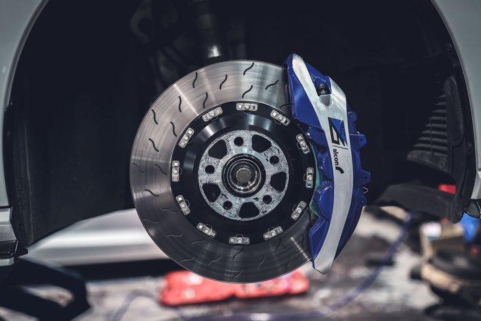 德朋國際/公司貨 ALCON 前RC6 六活塞卡鉗 後RC4四活塞卡鉗 BELFE電子手煞車 GOLF R實裝