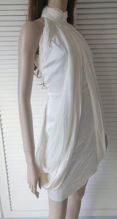 乳白色蠶絲高領削肩S型小洋裝