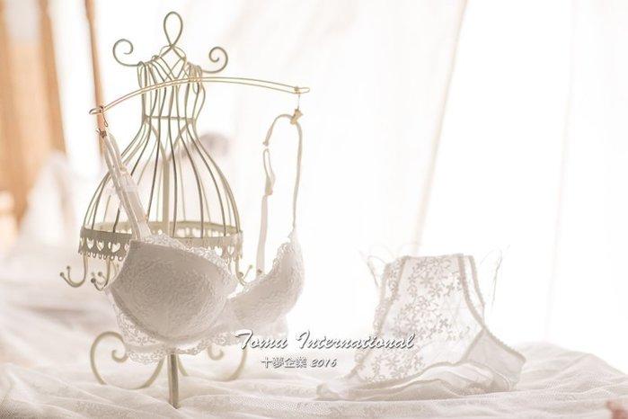 法式精緻緹花蕾絲刺繡 復古宮廷風 性感半罩杯 純潔白賣場 成套內衣 十夢企業
