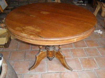 早期檜木圓桌