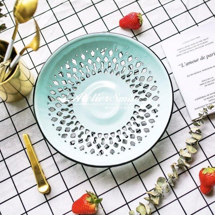 [ Atelier Smile ]  鄉村雜貨 復古 搪瓷 圓形大瀝水籃 蔬果籃 直徑24.5公分 (現+預)