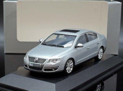 【MASH】現貨特價  原廠 Minichamps 1/43 VW Passat saloon silver