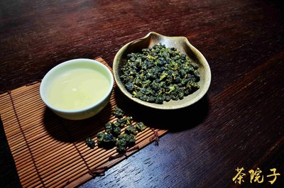 【茶院子】在地茶農~【阿里山石棹手採烏龍茶】濃郁山氣,茶水軟甜!!