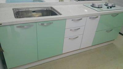 石英石檯面+白橡木心板桶身(下廚)--高雄 鳳山 廚具工廠 流理台 系統櫃