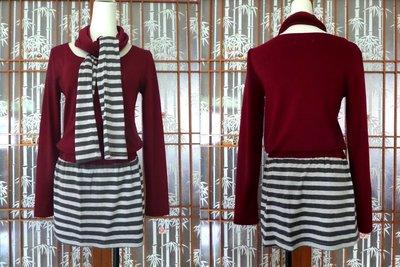 ㊣超便宜㊣酒紅色圓領素面T恤上衣+條紋短裙+同款圍巾 休閒三件式套裝 換季出清 一元起標