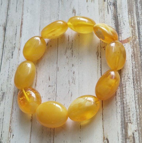 ☆采鑫天然寶石☆  *  純粹之美 *頂級天然琥珀蜜臘(Amber) 手鍊~蜜黃珍珠、溫潤~橢圓