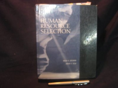【愛悅二手書坊 O-09】 HUMAN RESOURCE SELECHON