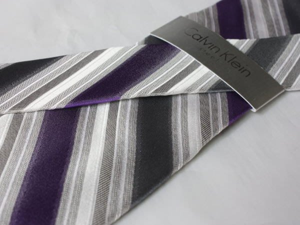 【Calvin Klein CK】100%全新正品 斜紋領帶-紫灰色【寬版8cm】*領帶兩條95折三條9折*NEW C144