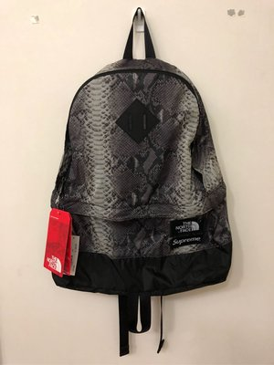 18ss Supreme x The North Face TNF backpack Snakeskin 後背包 蛇紋