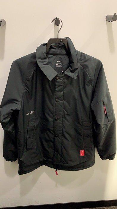 南 2019 11月 NIKE 黑色 教練外套 防潑水 夾克 保暖 Bv9300-010 立領 MA1