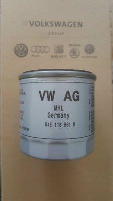 VW AUDI  A3 A4 GOLF TIGUAN PASSAT POLO BEETLE 機油芯04E115561H