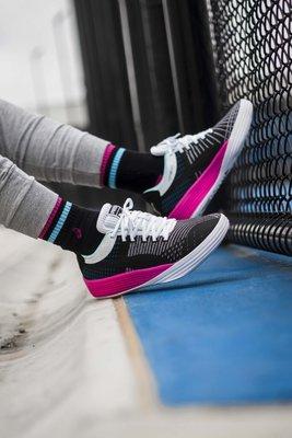 南◇2021 1月 Puma Clyde ALL-PRO 男款 慢跑鞋 籃球鞋 運動鞋 194039-02 黑色 桃紅色