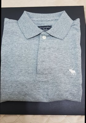 a&f  polo衫  當季櫃上購買  灰 白 色
