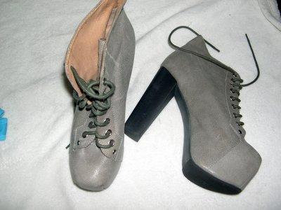 @╮全面淨空大特賣╭@八十一元亂亂標~~灰色時尚別緻高跟鞋