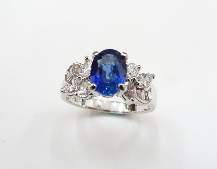 %玉承珠寶%超美湛藍色天然錫蘭藍寶鑽石戒指A195(公關.生日禮物.聖誕節送禮.求婚.結婚.黛安娜王妃.情人節禮物)