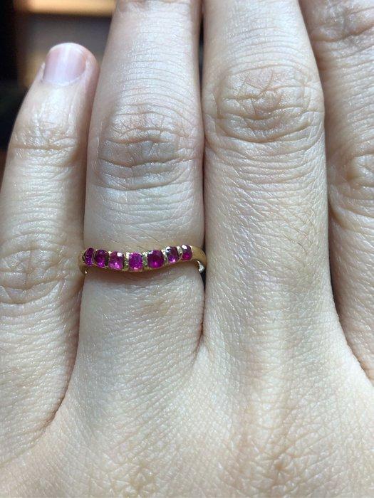 20分天然紅寶石玫瑰K金戒指,經典設計款式適合平時佩戴,出清價4680,只有一個要買要快