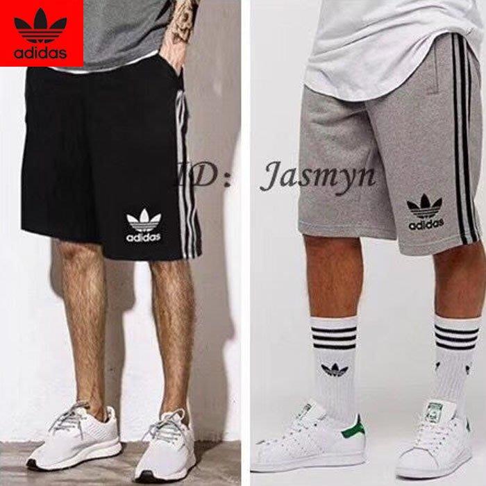熱銷新款 Adidas 經典三條杠 黑白 休閒短褲 五分短褲 運動短褲 男女必備休閒短褲