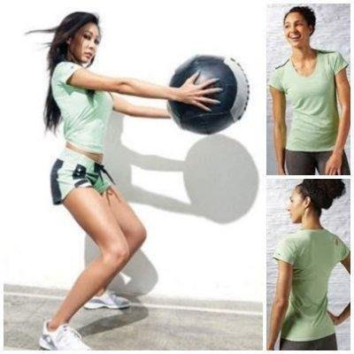 Reebok 女 輕量 涼感 吸排 有氧 運動 短袖T恤-機能彈性衣.1680 AJ0646