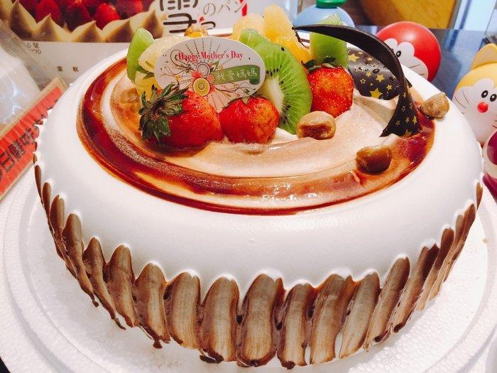 ❤ 歡迎自取 ❤ 雪屋麵包坊 ❥ 檜木水果 ❥ 八吋生日蛋糕 ❥  9 折優惠中