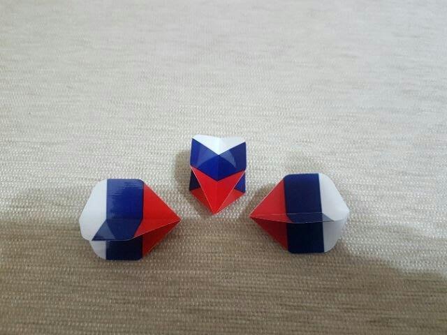 全新 俄羅斯 國旗 戰鬥民族 鏢翼 3入一組 亮面 硬度高 另有鏢翼固定環可以搭配購買使用