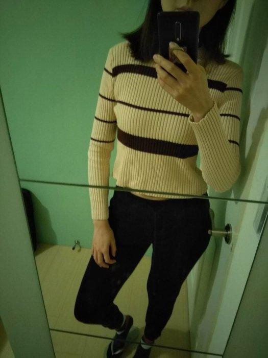 as chic 針織條紋坑條厚料短版毛衣