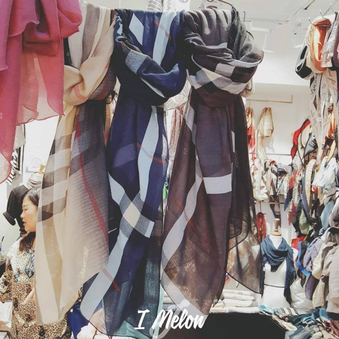 ::: i-MelOn ::: 100%韓國空運 正韓【現貨】經典格紋披肩圍巾※卡其色