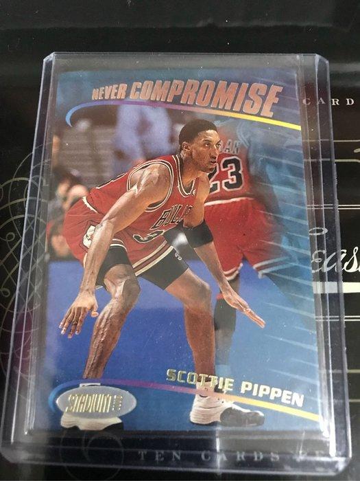 Scottie pippen老特卡2張如圖 Topps 特卡及UD Collectors Choice特卡