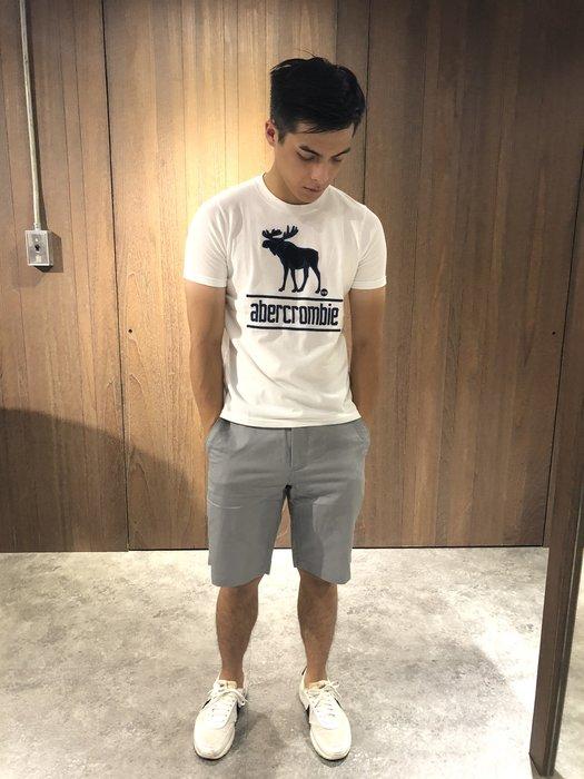 美國百分百【全新真品】Calvin Klein 男款 短褲 logo 工作短褲 CK 休閒褲 口袋 淺灰色 J270