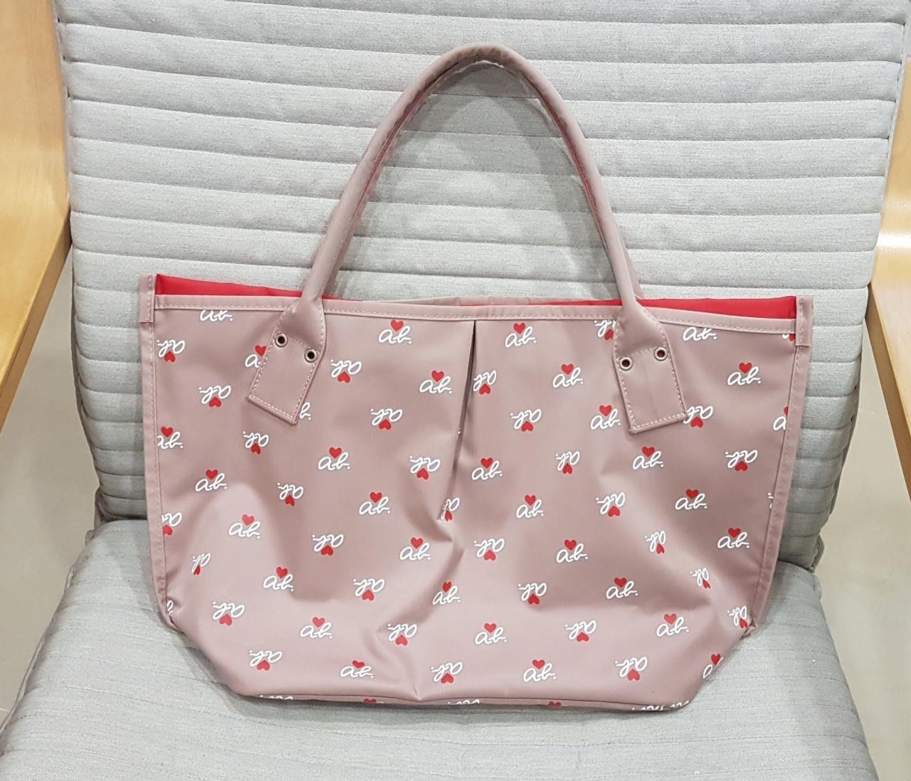 全新日本帶回agnes b 小b粉紅logo大側背包