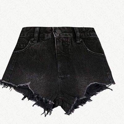 歐美品牌短褲 MO&CO Distressed