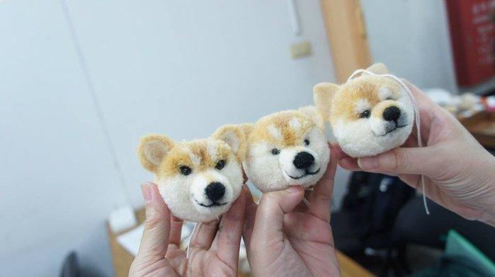 毛線毛球娃娃柴犬材料包~做球器~西施犬、黃金獵犬~編織書、手工藝材料、編織工具☆彩暄手工坊☆