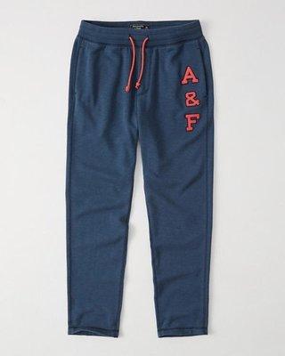 Maple麋鹿小舖 Abercrombie&Fitch * AF 藍色貼布字母長棉褲 * ( 現貨L號 )