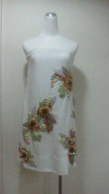 法國名品--CHLOE--白絕美手工繡花平口小禮服---最佳女主角就是你--原價127800