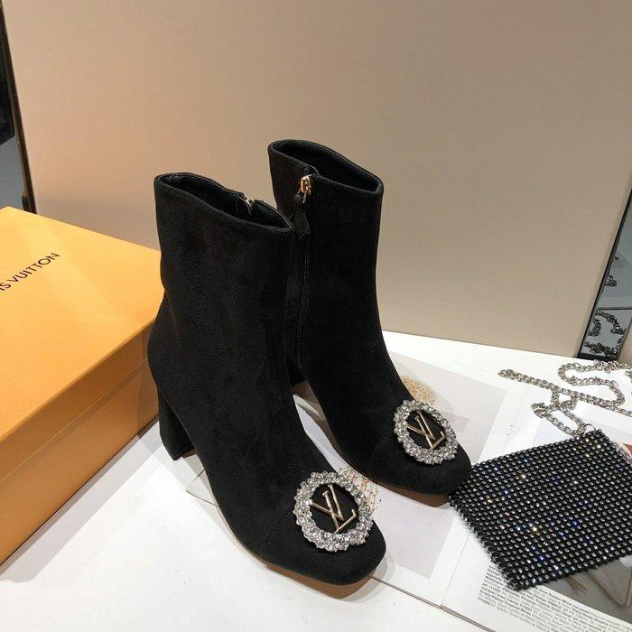 新款方頭楦型絨中矮靴 捷克鉆 大圓扣粗跟中跟短靴35-40碼女鞋