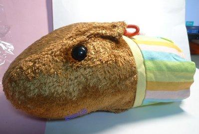 日本帶回水豚君彩虹裙玩偶 抱枕組[ 開學趣出清大特價 ]