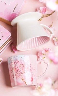 絕美含運1388元~STARBUCKS星巴克咖啡2017年櫻花周邊商品: 絢爛櫻花手沖咖啡陶瓷濾杯組(濾杯+馬克杯)