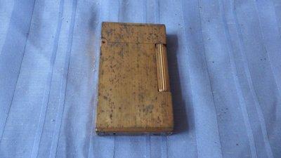 紫色小館--------二手打火機 S.T. Dupont (金色) 法國製