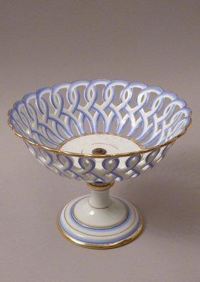 1850s 德國 高腳手繪鏤空瓷器皿...