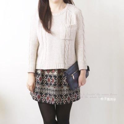 正韓 韓國連線 胸前單口袋 麻花捲紋長袖毛衣 ~桔子瑪琪朵