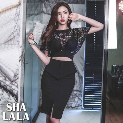 SHA LA LA 莎菈菈 韓版性感鏤空蕾絲拼接包臀露背短袖連衣裙洋裝(S~XL)2019031618預購款
