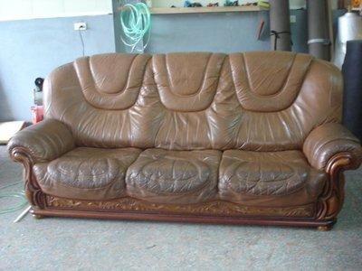 沙發修理大師.修理沙發達人.修理沙發換皮.換泡棉