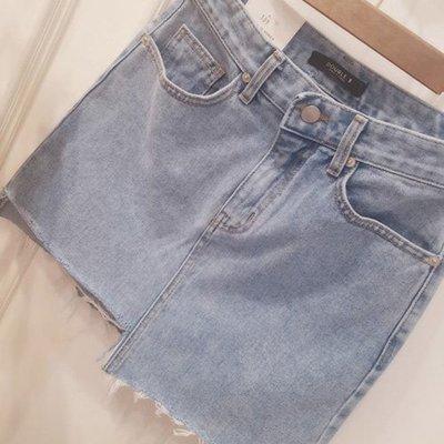 韓國空運丹寧牛仔短裙 正韓 不規則還在流行的牛仔短裙 艾爾莎 【TLS00328】