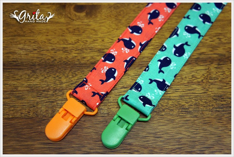 ♥gritas handmade♥純棉手作嬰兒奶嘴鍊、防掉落帶 可綁奶嘴/玩具/固齒器-小鯨魚(現貨)