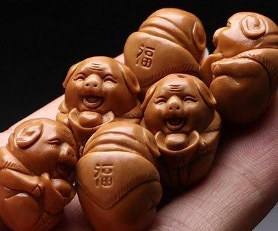 【三顧茅廬 】核雕文化~~蘇州核雕大師 雙面手工獨家定制 【福氣豬】值得收藏的重器