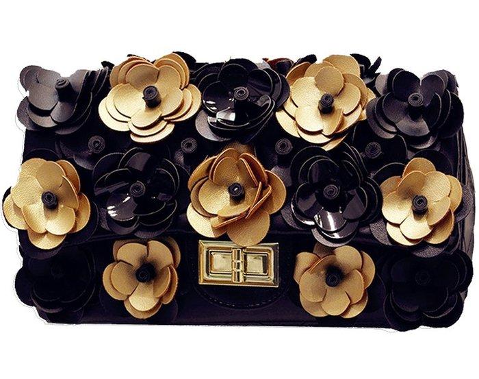 ♥PK漂亮♥ K18016 立體金色銀色黑色山茶花朵小香風菱格洋氣百搭單肩側斜鍊條小方包包