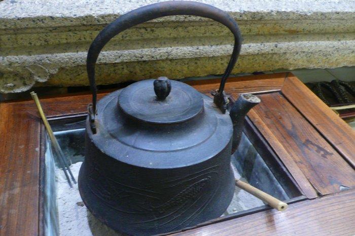 日本百年特大鐵壺
