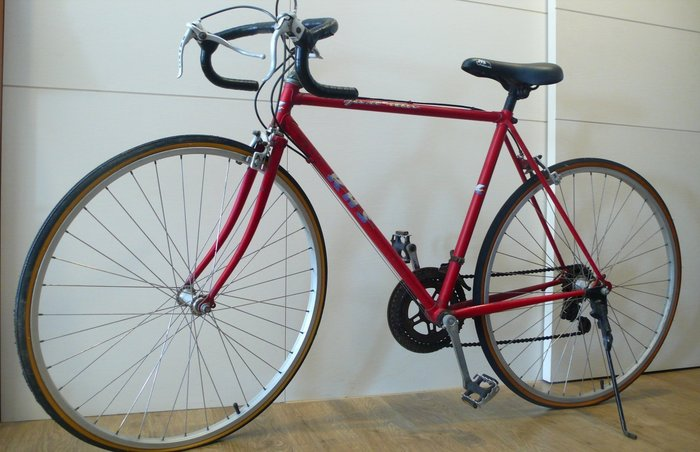 絕無僅有的漂亮大紅單車:KHS功學社最早的彎把變速古董腳踏車/絕版老單車